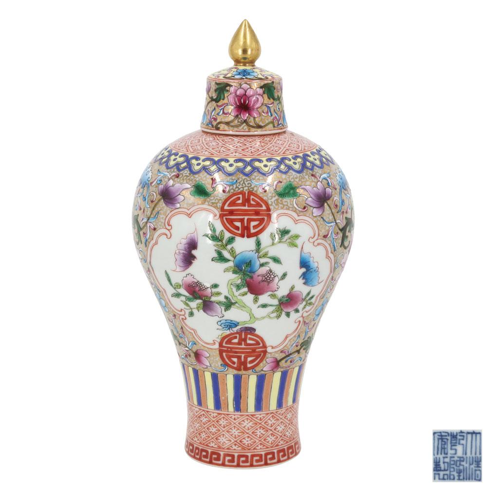 粉彩寶相花福壽紋寶傘鈕蓋罐梅瓶